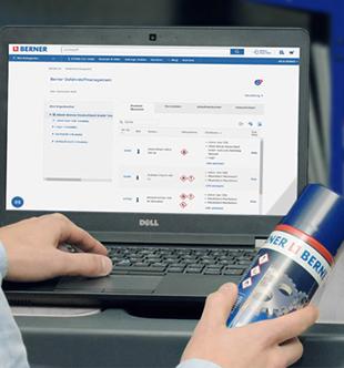 Un professionnel consulte la base de données sur les produits chimiques Berner.