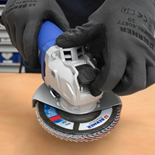En photo la nouvelle meuleuse Berner 18 V équipée de la technologie X-Lock.